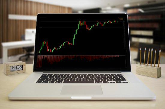 forex-stock-chart-on-laptop-screen
